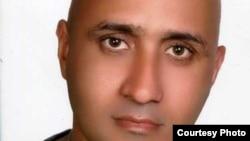 ستار بهشتی کارگر وبلاگ نویسی که در جریان بازداشت توسط نیروی انتظامی جمهوری اسلامی ایران کشته شد.