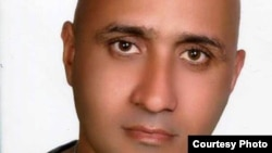 Sattar Beheshti died in custody.