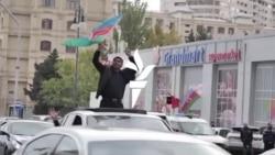 Felvonuló tömegek Bakuban: győzelmet ünnepeltek