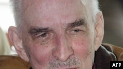 آقای برگمان بین سال های ۱۹۴۴ و ۲۰۰۵ فعالیت ادبی و سینمایی داشته و حدود چهل فیلم ساخته است.