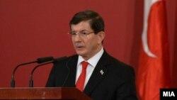 Түркия премьер-министрі Ахмет Давутоглу.