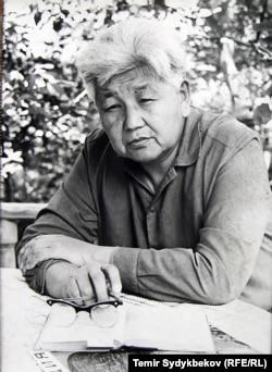 Народный писатель Кыргызстана Тугельбай Сыдыкбеков.