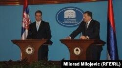 Aleksandar Vučić i Milorad Dodik na konferenciji za novinare u Banjaluci, 16. decembar 2013.