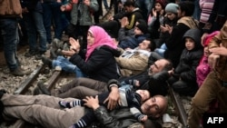 Греция-Македония чек арасындагы сириялык жана ирактык качкындар. 28-февраль, 2016-жыл.