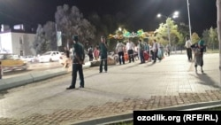 Streets in the center of ailing Uzbek President Islam Karimov's native city of Samarkand have been blocked off as cleaning and apparent construction work were taking place on a central square late on September 1.