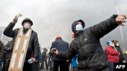 События последних дней на Украине усиливают международную изоляцию действующей власти