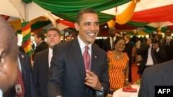 باراک اوباما رئیس جمهوری آمریکا در کاخ ریاست جمهوری غنا