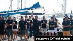 Участники парусной регаты «Кубок Крыма 2020» в Севастополе, июль 2020 года