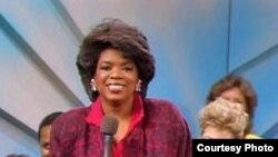 برنامه گفتوگوى روزانه تلويزيونى اوپرا وینفری از ۲۲ سال پيش شروع شد و روزانه ۱۴ ميليون بيننده دارد.