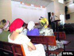 Проповедь в протестантской церкви города Алматы. Иллюстративное фото.
