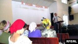 В Узбекистане деятельность Свидетелей Иеговы запрещена законом.