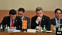 Претседателот Ѓорге Иванов и министерот за надворешни работи Никола Попоски на Процесот за соработка во Југоисточна Европа во Белград.
