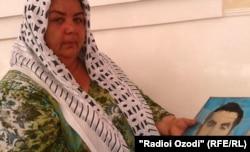 Давлатмо Ходжаева, вдова погибшего на войне Сангака Сафарова.