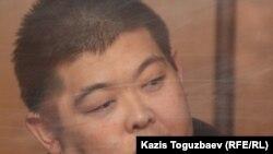 Гражданин Кыргызстана Алдаяр Исманкулов, подсудимый по делу об убийстве кыргызского журналиста Геннадия Павлюка. Алматы, 11 октября 2011 года.