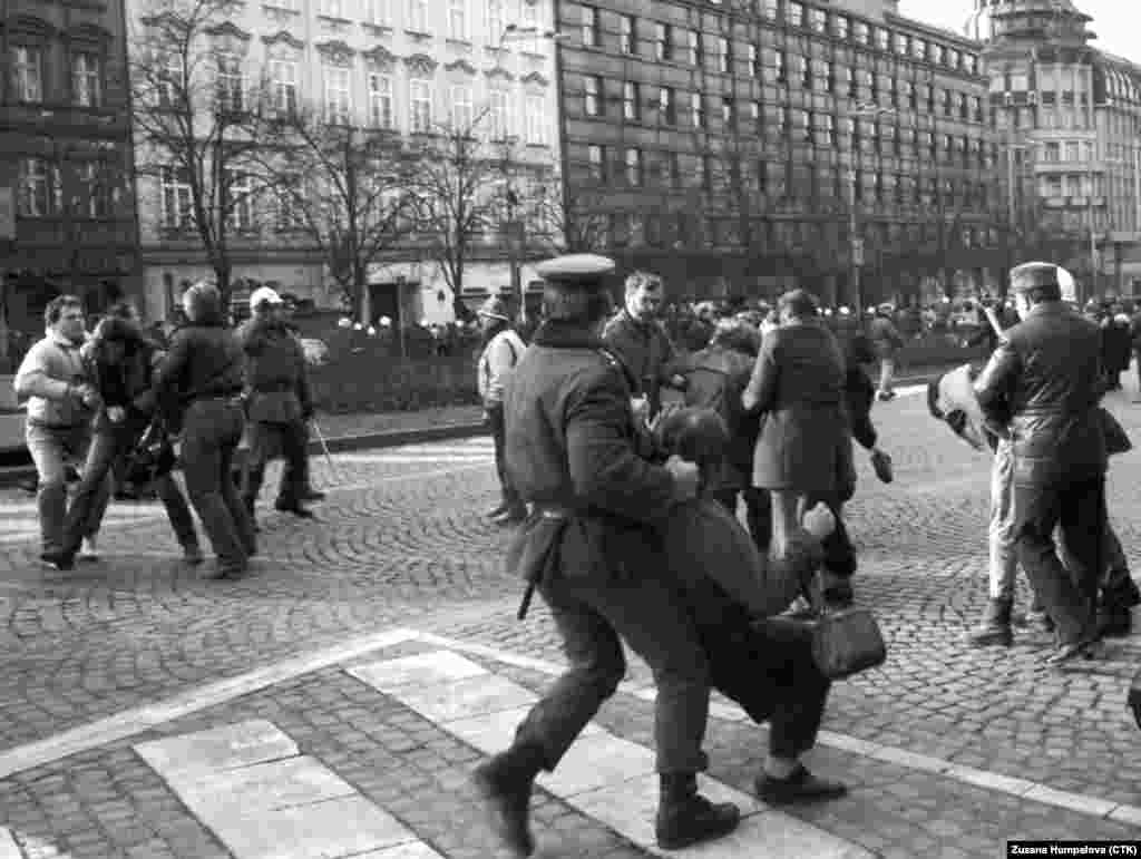 The first demonstrations took place in January 1989. Protesters marking 20 years since Czech student Jan Palach self-immolated in protest against the Soviet-led invasion of 1968 were brutally dispersed by police.