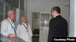 Министерот за здравство Никола Тодоров во посета на битолската болница.