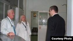 Архивска фотографија- Министерот за здравство Никола Тодоров во посета на битолската болница.