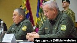 Новый глава Азово-Черноморского управления Госпограслужбы Украины Владимир Бондарь (справа)