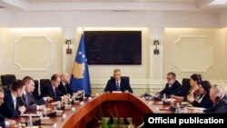 Hašim Tači sa predstavnicima partija