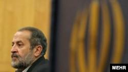 علیرضا افشار حدود دو ماه پیش از سِمت معاونت سياسی وزارت کشور برکنار شد. (عکس: مهر)