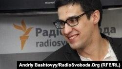 Ведущий Александр Голубов