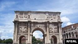 Тріумфальна арка імператора Костянтина у Римі