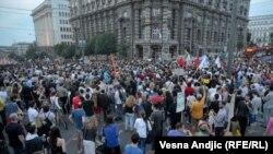 Protesta në Serbi me sloganin: 'Mos e mbysni Beogradin'