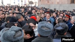 Armenia -- Market traders demonstrate outside the main government building in Yerevan, 25Jan2011.