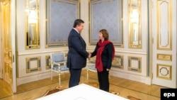 Preşedintele Viktor Ianukovici o primeşte pe şefa diplomaţiei UE Catherine Ashton, 29 ianuarie 2014