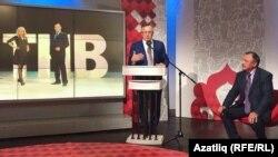 Илшат Әминов журналистлар сорауларына җавап бирә