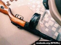 Міністэрства абароны падарыла аднаму з блогераў пісталет-кулямёт Шпагіна
