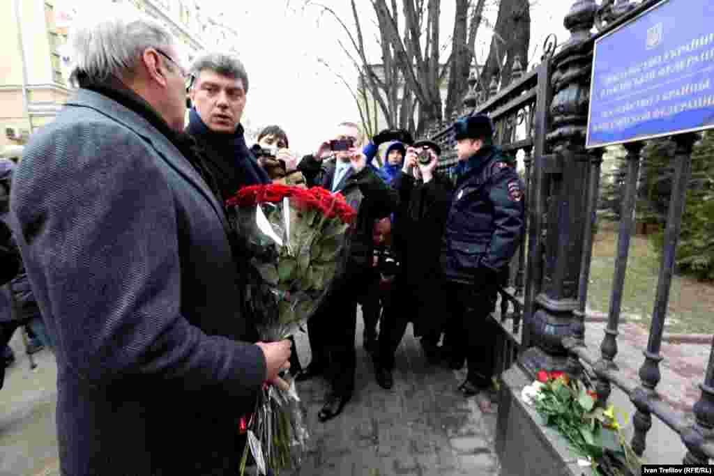 Москва. В память о жертвах Майдана. Михаил Касьянов и Борис Немцов