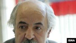 حافظ موسوى، شاعر، منتقد و ناشر کتاب های شعر در ايران