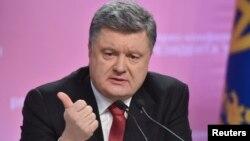 Украина президенті баспасөз мәслихатында. Киев, 29 желтоқсан 2014 жыл.