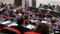 Министерот Никола Поповски на редовен работен состанок со македонските амбасадори и конзули.