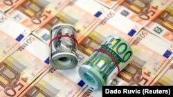 На 23 квітня офіційна вартість долара встановлена на рівні 27 гривень 5 копійок