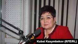 """Депутат ЖК Надира Нарматова в студии """"Азаттыка"""", Бишкек, 23 ноября 2011 года."""