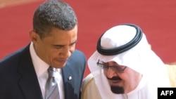 ملک عبدالله (راست) پادشاه عربستان و باراک اوباما، رییس جمهور آمریکا.