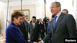 Ministri i Jashtëm rus, Sergei Lavrov, gjatë takimit me nënpresidenten e Komisionit Evropian, Kristalina Georgieva. Moskë, 8 shtator 2015.