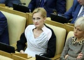 Ирина Яровая в комплекте от Chanel