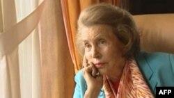 مجله اقتصادی فوربز، ثروت خانم بتانکور را حدود ۴۰ میلیارد دلار برآورد و او را ثروتمندترین زن جهان اعلام کرده بود.