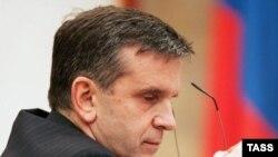 Госдума решила за неделю разработать постановление, в котором, очевидно, работа Михаила Зурабова и его ведомства будет признана неудовлетворительной