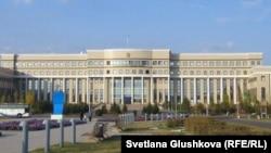 Қазақстанның сыртқы істер министрлігінің ғимараты. Көрнекі сурет.