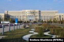 Қазақстан сыртқы істер министрлігі ғимараты. Астана, 16 қазан 2011 жыл.