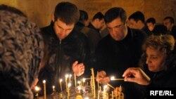 Во всех действующих православных церквях Грузии до утра шла праздничная служба – литургия