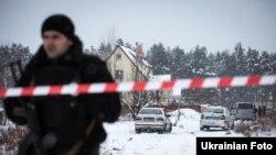 Фоторепортаж: місце перестрілки поліцейських у Княжичах