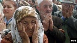 Кырымтатар депортациясен искә алу. Акмәчет, 2004 ел