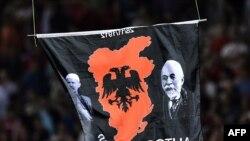 "Emblema ""Albaniei mari"" deasupra stadionului de la Belgrad"
