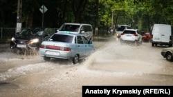 Злива в Сімферополі, ілюстраційне фото