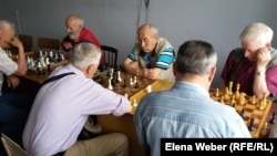 """Шахматные баталии в клубе """"Мудрость"""". Темиртау, 15 июня 2018 года."""